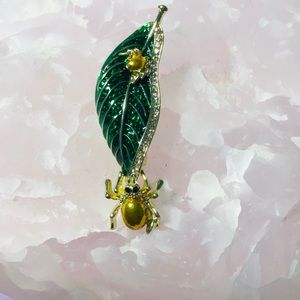 Green Leaf Brooch Spiders Pin Enamel Crystal NWT